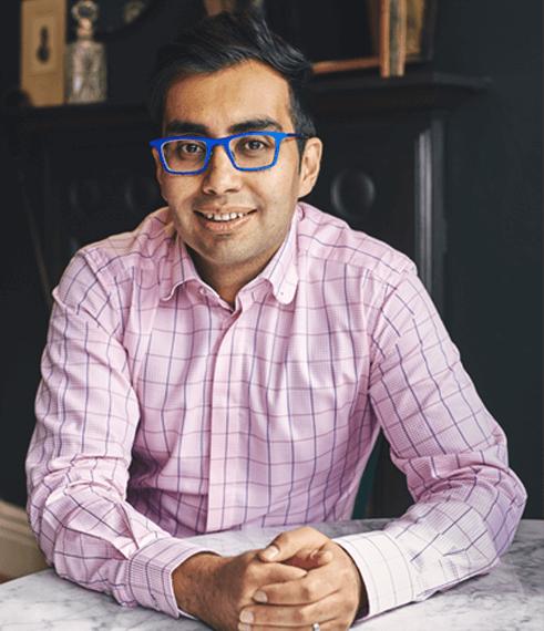 team member image - Deepak Oberai Bsc (Hons) MCOptom - Director